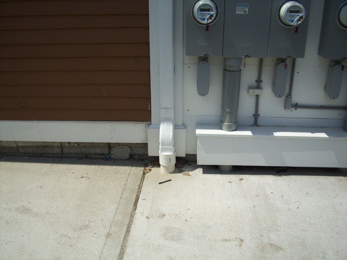 how to connect downspout to gutter